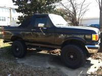 1988 ford bronco good condition.. Interior is nice..