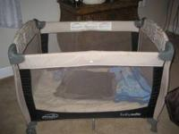 Baby Play Pen in Excellent Condition. Please call