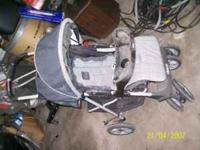 gray graco stroller  Location: jesup, ia
