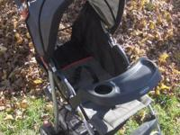 Baby Trend folding stroller Reclines, sun shade, cup