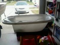 No more babies! Baby tub is in good condition. 7.00obo