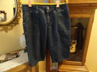 Baccini Women's Size 12 Blue Jean Bermuda Shorts.