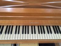 Beautiful Baldwin Acrosonic light walnut piano in