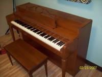Baldwin (Howard) Piano: With a Cute Matching Bench!