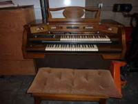 Nice Baldwin Organ for sale, it is in mint condition,