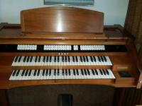 Good condition organ! Must pick up!