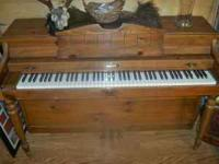 Baldwin piano in good condition. Needs tuning. Comes