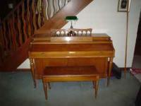 Baldwin piano , Aerosonic, with bench for sale. In good