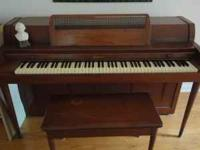 Beautiful Baldwin Acrosonic spinnet piano with matching