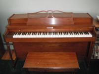Baldwin Spinet Piano . Great condition