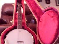 Like new Dean 6 string banjo with case Also can