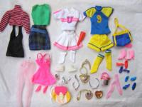 Includes 5 complete outfits plus 9 pairs of shoes, 2