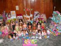 This set includes 40 Barbies which includes-Holiday