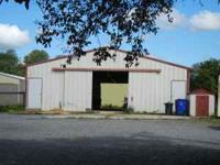 Twenty stall Horse Barn for rent. Indoor/outdoor