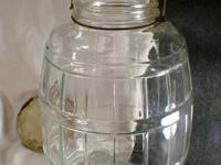 2.5 gallon clear glass barrel formed container. Size: