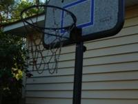 Nice free standing basket ball hoop, in Pinebluff close