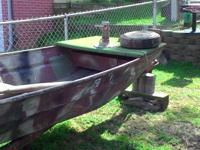 14 foot aluminium flat bottom bass boat good shape!! So
