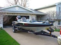 TRITON 196 LIMITED EDITION. LIKE NEW, BOAT HAS BEEN