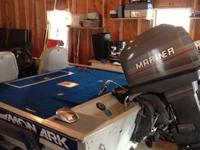 1990 Monarch Bass Boat w/console steering, trolling