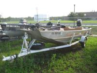 1981 Bass Tracker III 16 ft 1981 40 HP Mercury Console
