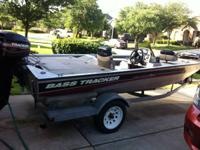 2001 bass tracker pro 175 xct bass boat. 40hp mercury