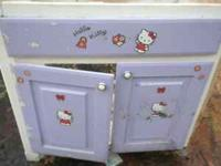 BATH ROOM CABINET HELLO KITTY  129 PACK SADDLE PASS,