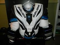 Like New Condition! Bauer R4000 Goalie Chest Protector