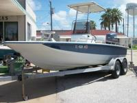 This 1999 Bay Quest is 22' long and has a 1999 Yamaha