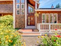Privately situated at the shore of the Willapa Bay in