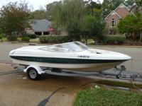 20.5 ft 1999 Bayliner Ski Boat. 5.0 liter V-8 engine