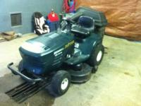 Craftsman Riding Lawn Mower WITH BAGGER in excellent