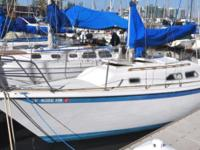 BEAUTIFUL 1978 ERICSON 27' LOADED !!!! This ERICSON 27'
