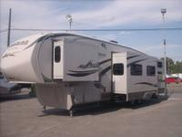 2010 Montana high country # 333DB, 36ft , 4 slides , 2