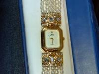 I have a women alto watch for sale beautiful u can see