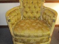 This chair will make anybody feel like a queen!!!!