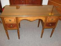 Beautiful antique desk or vanity in great condition.