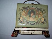 BEAUTIFUL 1890'S ANTIQUE VICTORIAN PHOTO ALBUM ON STAND