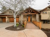 Stunning contemporary craftsman home located in Awbrey