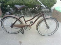 The ladies's Kent La Jolla Cruiser Bike is styled in a