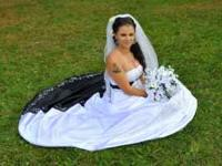 Beautiful black and white wedding dress, i paid well