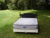 GORGEOUS BLACK WOOD QUEEN SIZE BED WITH HEAD BOARD