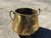 Beautiful Brass Pot! This is a Really Neat, Vintage,