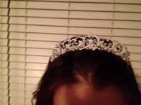 Beautiful Tiara. Purchased new from Davids Bridal for
