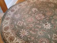 Beautiful circular 8ft wide rug. Nice quality, no rips,