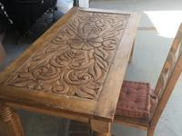 Beautiful wood dining room table PLUS 6 chairs