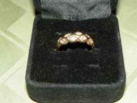 Beautiful Anniversary Band 14 kt Yellow Gold 1/4 ktdw 8
