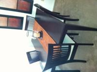 Almost brand new dining room table set with the leaf,