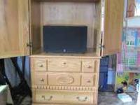 ALL SOLID WOOD, NO PRESS BOARD, IN GREAT SHAPE WITH