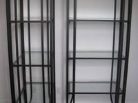 Free-standing shelving unit with 6 glass or black metal
