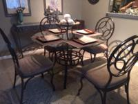 Type: Dining Room Type: Sets Beautiful round glass